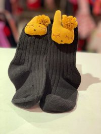 #10327 size 1-2/7-8yrs Black + yellow rabbit socks