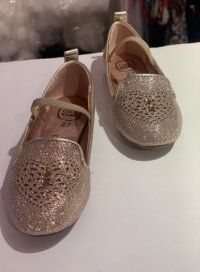 #12387 size: above5-7歲 Girls Gold glitter flats with rhinestones