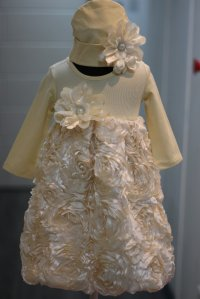 #5090 size: 18-24M/2-3/3-4yrs light gold party dress